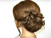 Jednoduchý romantický účes pre stredne dlhé vlasy - VIDEO Ako sa to ... 973bc2bb0c1